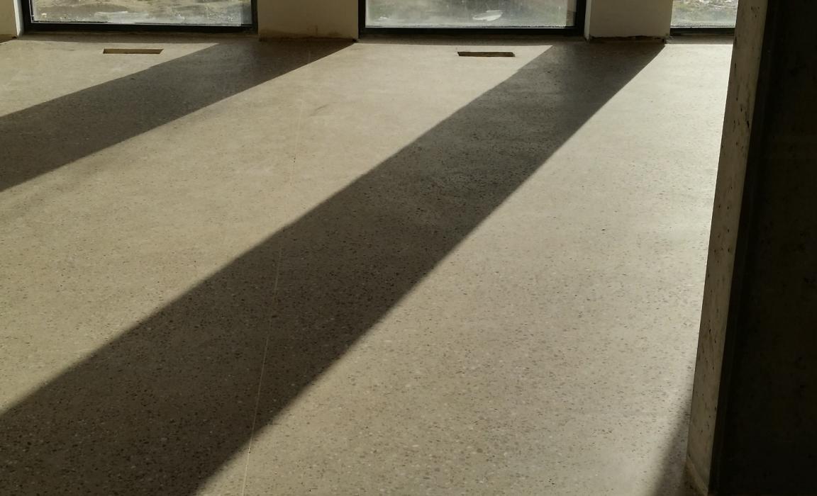 terrazzolook betonvloer
